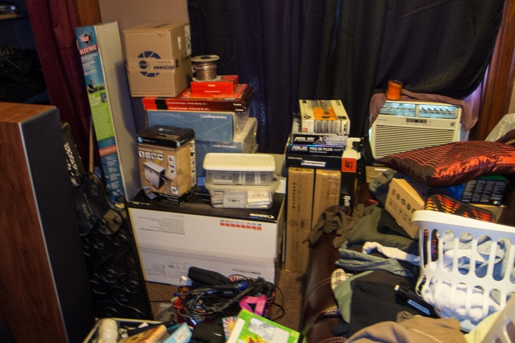 Hoard1 - Hoarding Cleanup - Junk Removal
